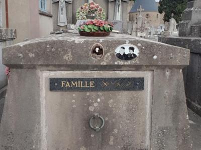 tombe-cite-carcassonne2